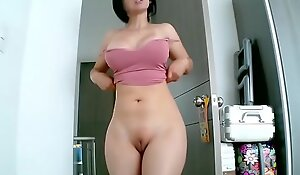 Hot MILF With Wide Hips, Big Boobs And Bald Pussy