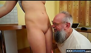 Unintentional old grandpa receives the closeness of a hot young woman