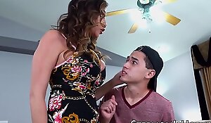 Cockhungry Ariella Ferrera permeated by stepson