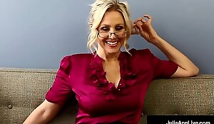 Bad Teacher Milf Julia Ann Showcases You POV Poisonous Pussy Rubs!