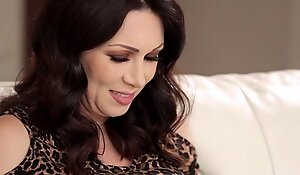 Mother-in-love rayveness coupled with respect to gracie glam accumulate to rout again change off overseas