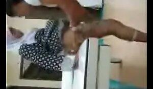 Melayu tudung gadis kacau oleh ketua ketua honcho di buat isu pejabat pejabat