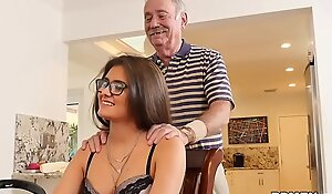 Teen Jeleana Marie Sucks coupled all over Fucks Elderly Individuals
