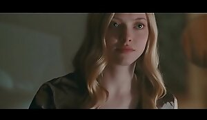 Amanda Seyfried Showing Big Knockers and Riding - Chloe