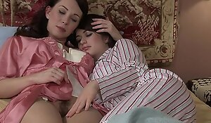 Nourisher helter-skelter an increment of lass fingerfuck - ashlyn rae, ray...