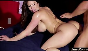 Busty Mummy snatch drilled on on all sides fours
